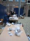 Gerrit van Dijk en Wouter Schothorst determineren de collectie van het Natuurmuseum Friesland